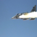 Gripen disparando míssil AMRAAM