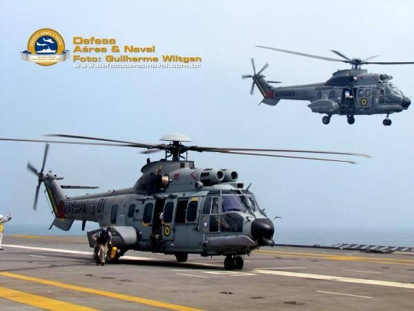 UH-15 e UH-14 decolando NAe São Paulo