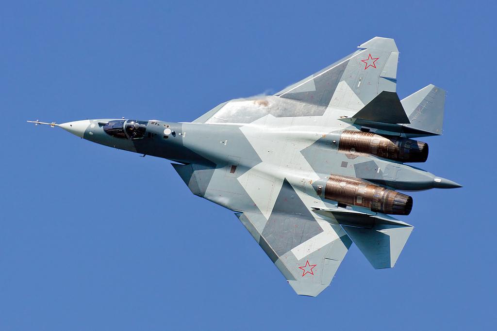 Sukhoi PAK FA T-50 (Foto Foo Fighter Spotting)