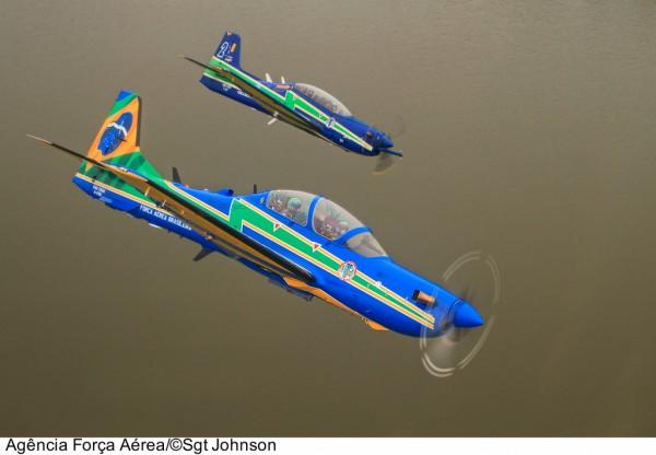 A-29 e T-27 da Esquadrilha da Fumaça