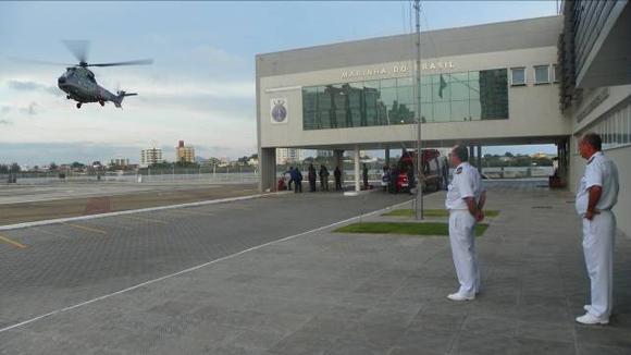 UH-14 pousando na CP de Itajaí