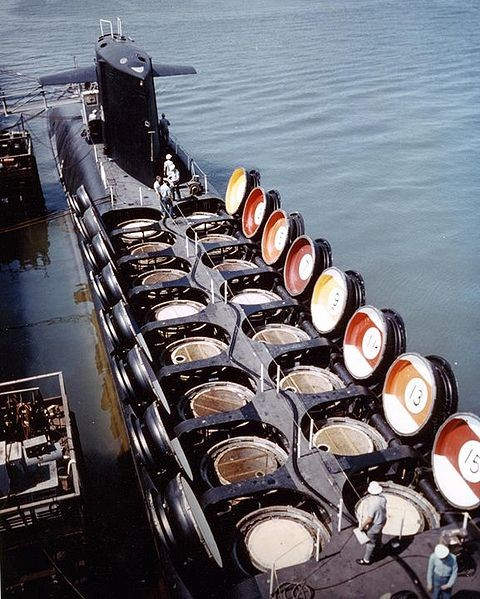 USS_Sam_Rayburn_(SSBN-635)_missile_hatches