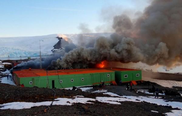 Incêndio na Estação Antártida Comandante Ferraz