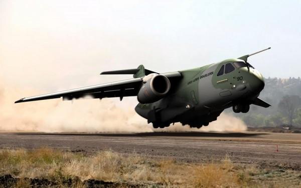 KC-390 take off