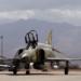 RF-4C pronto para decolagem dando adeus à Davis