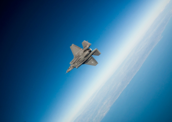 F-35 AF-02 Voando sobre o Pacífico