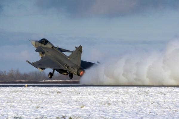 Gripen take off