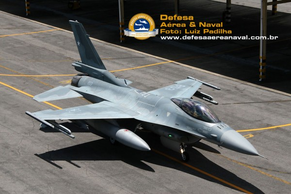 F16-wallChile