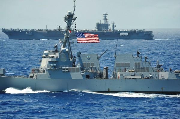 USS Chung-Hoon (DDG 93) and the aircraft carrier USS Nimitz (CVN 68)