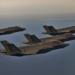 4 F-35 em vôo de formação