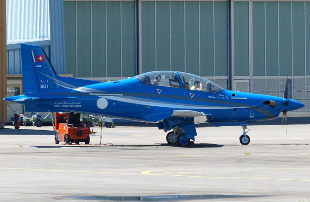 Primeiro PC-21 Saudita realizando teste de motores na Suiça