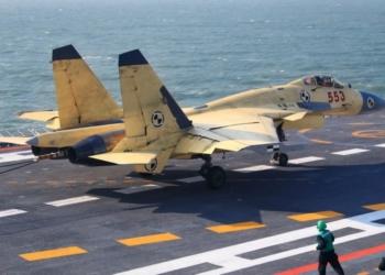 J-15 operando a partir do Liaoning