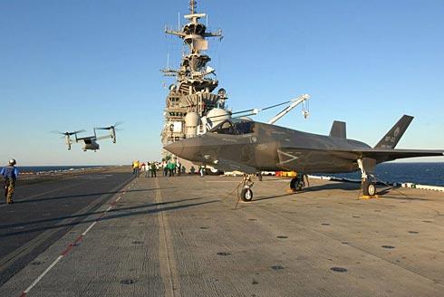 F-35B e V-22 durante os testes no WASP