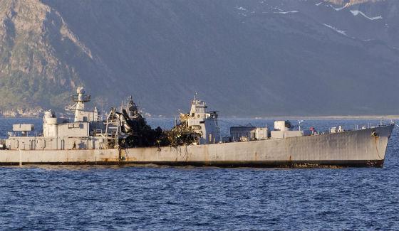 Fragata aposenta da Classe Oslo após o impacto do JSM