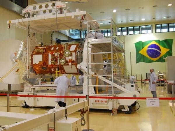 satelite testes-no-inpe