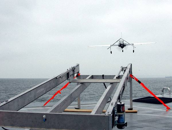 M80 Stiletto lançando UAV