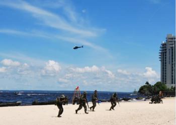 Demonstração de Desembarque Ribeirinho na praia de Ponta Negra