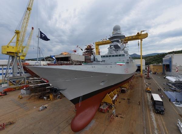 O estaleiro Fincantieri de Riva Trigoso, perto de Gênova, lançou em 29 de Junho a 3º fragata FREMM da marinha italiana, Carlo Margottini. (FINC foto)