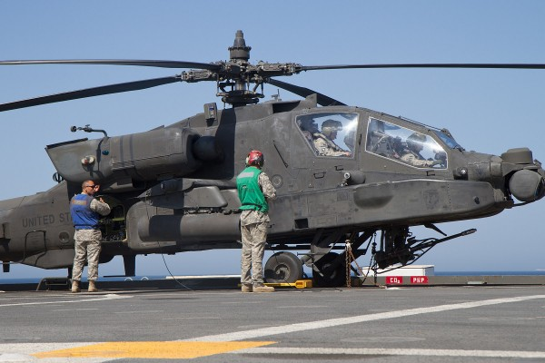 US Army helicopters train with US Navy
