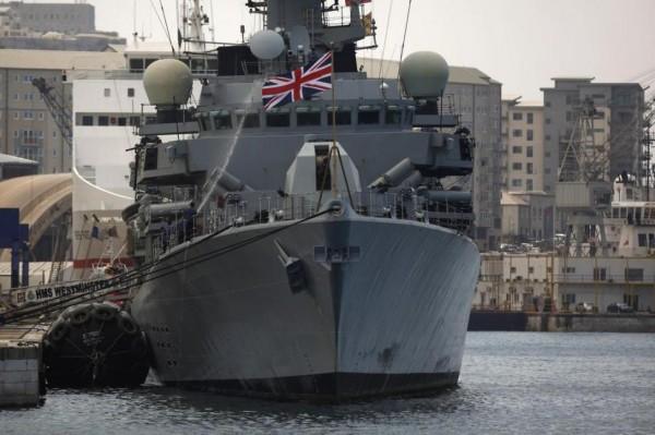 HMS Westminster atracado em Gibraltar