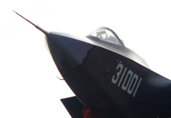 J31 Shen Fei (Falcon Eagle)_02