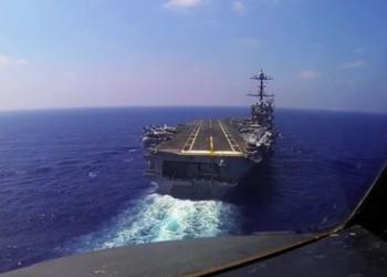 C-2 se aproximando do USS Harry S. Truman (CVN-75)
