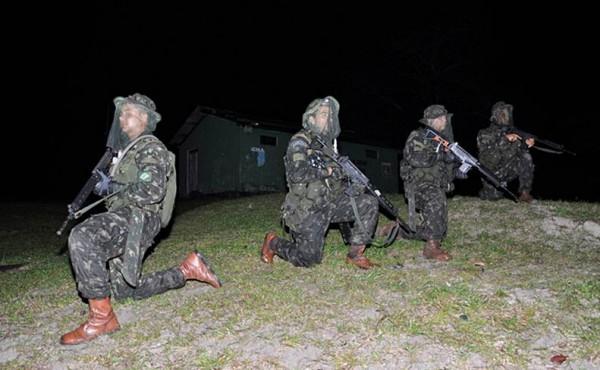 Soldados EB