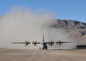 C130J-30 Super Hercules faz pouso histórico em Daulat Beg Oldie