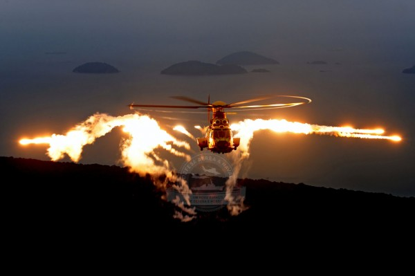 EC725 lança,do Chaff e Flare (Foto: Anthony Pecchi /Eurocopter)