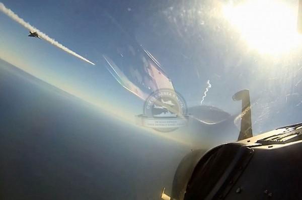 Mirage 2000C disparando Matra