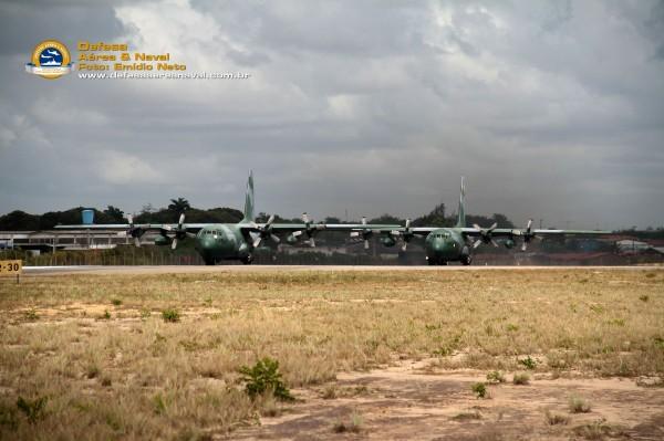 2-C-130-FAB-na-cabeceira-prontos-para-a-decolagem