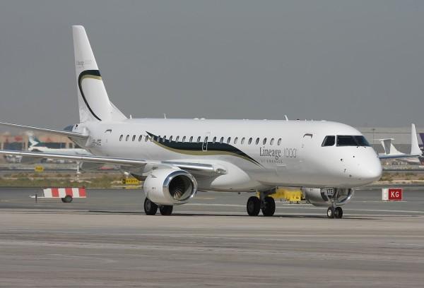Embraer_ERJ-190-100ECJ_Lineage_1000_-_Ryabtsev