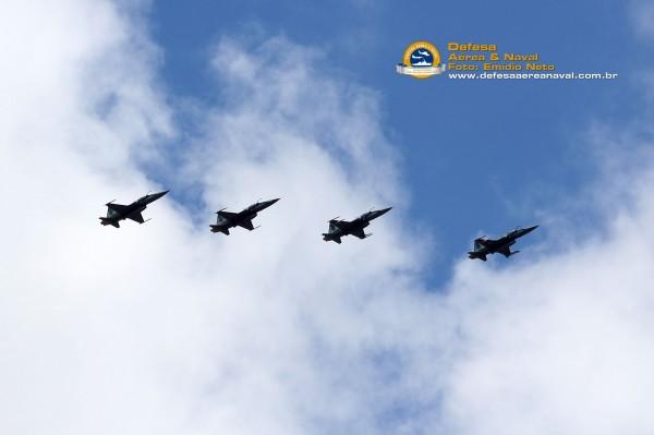 Esquadrilha-de-F-5-FAB-retorna-de-missao