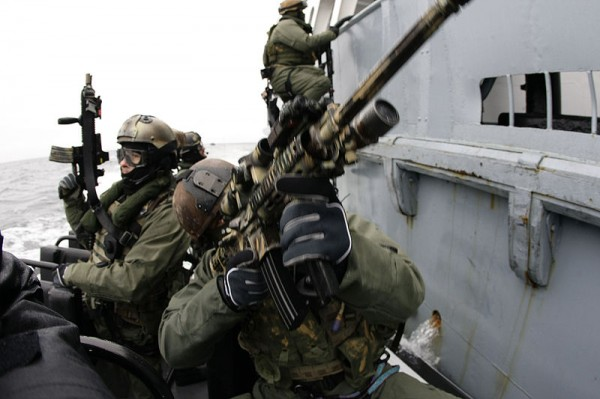 JW-GROM-with-Navy-SEALs