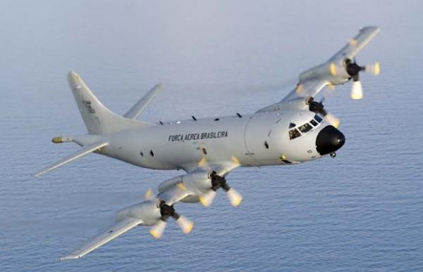 Avião P-3 Orion, o mesmo modelo utilizado para localizar os destroços da aeronave da Malaysia Airlanes, está sendo usado pela FAB pra tentar localizar avião desaparecido no sudoeste do Pará