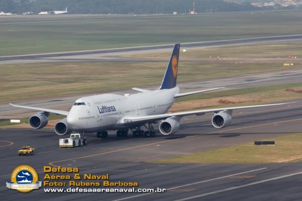 747-8I Lufthansa_17
