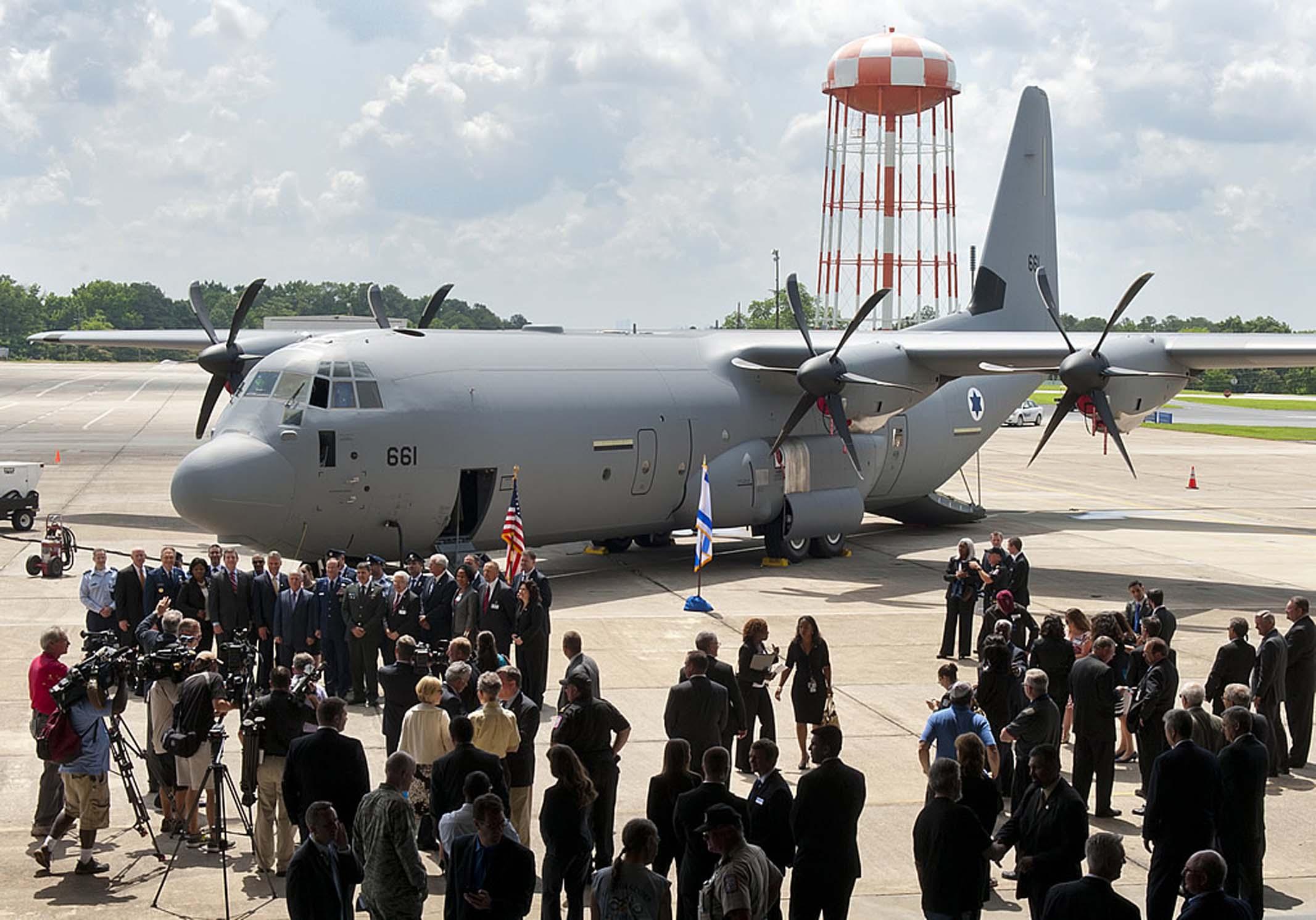 Os novos C-130J Super Hercules da Força Aérea de Israel se juntarão à frota  de C-130 de modelos mais antigos, em serviço desde 1971 naquele país (Foto: Lockheed Martin)