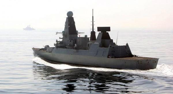 HMS Dragon_01
