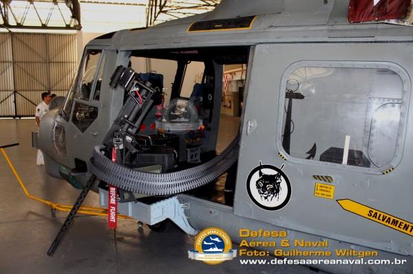 AH-11A_FN50_04