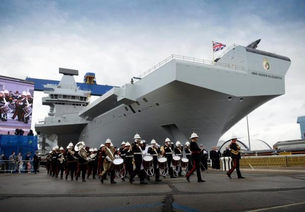 HMS Queen Elizabeth_01