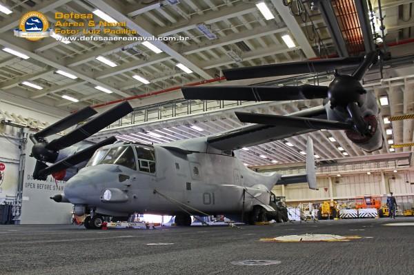MV-22 Osprey USS America angulo
