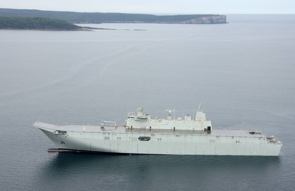 NUSHIP Canberra in Jervis Bay