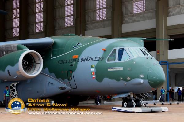 KC390_rollout_17