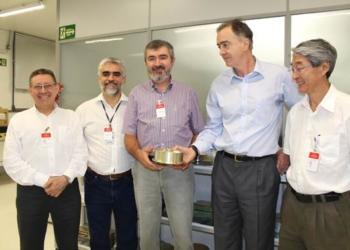 Da esquerda p/ direita: Eng. Francisco Visconti (Mectron), Dr. Eng. Loures (DCTA/IAE), Eng. Francisco Dias (Diretor da Cenic), Eng. Valter Rodrigues (Diretor de Tecnologias da ODT) e Eng. Yoshino (Mectron).