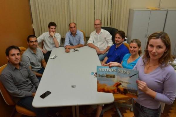 A coordenadora do projeto, professora Lisandra Manzoni Fontoura, e demais integrantes Foto: Gabriel Haesbaert / Especial