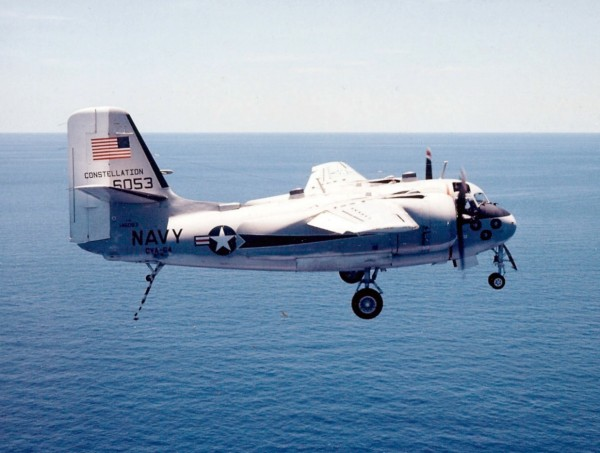 C-1A_Trader_off_USS_Constellation_(CVA-64)_c1974