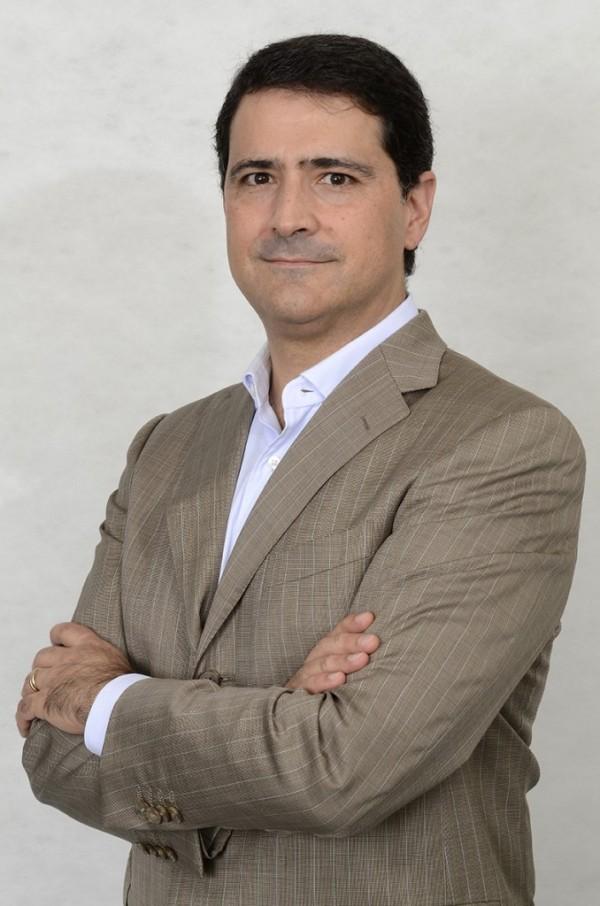Andre-Amaro-678x1024