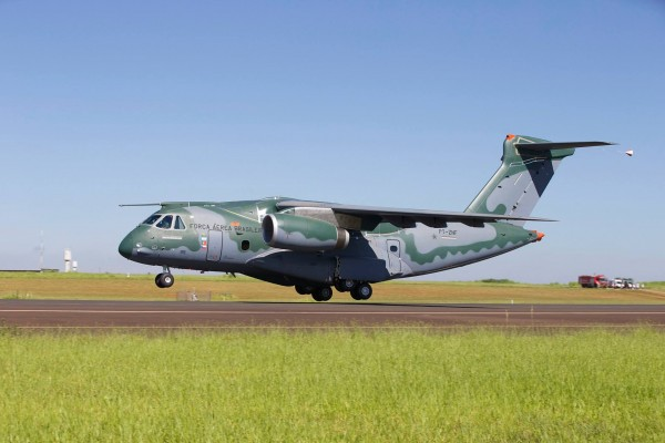 KC-390_01