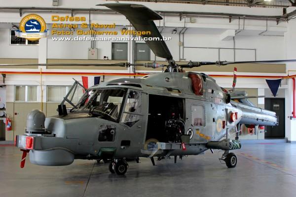 AH-11A_FN50_01