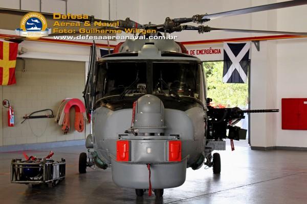 AH-11A_FN50_02